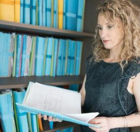 Isabelle De Piolenc généalogiste spécialiste en recherche d'héritiers à Carpentras