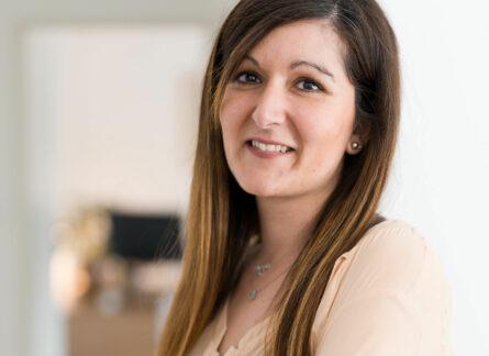 Laure Declerck généalogiste spécialiste en recherche d'héritiers